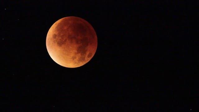 Il significato biblico di luna rossa