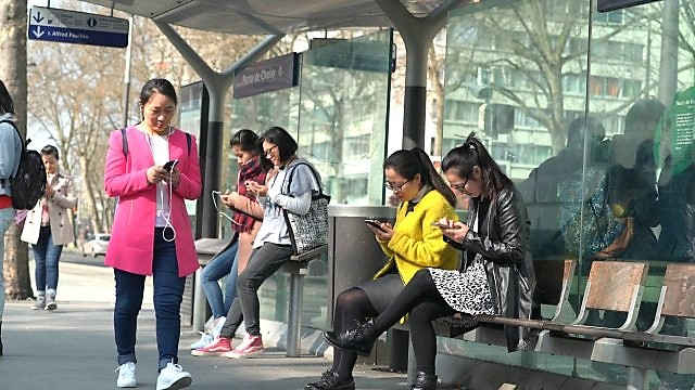 schiavi del nostro cellular